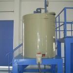 Tanque em PP com estrutura metálica em aço-carbono e pintura epóxi